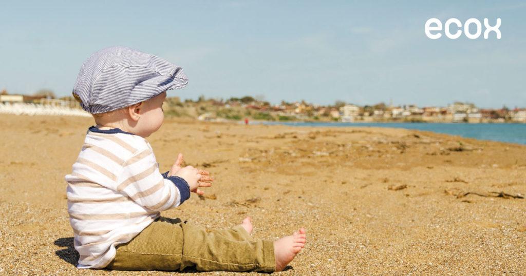 Conselhos para ir à praia com o seu bebé